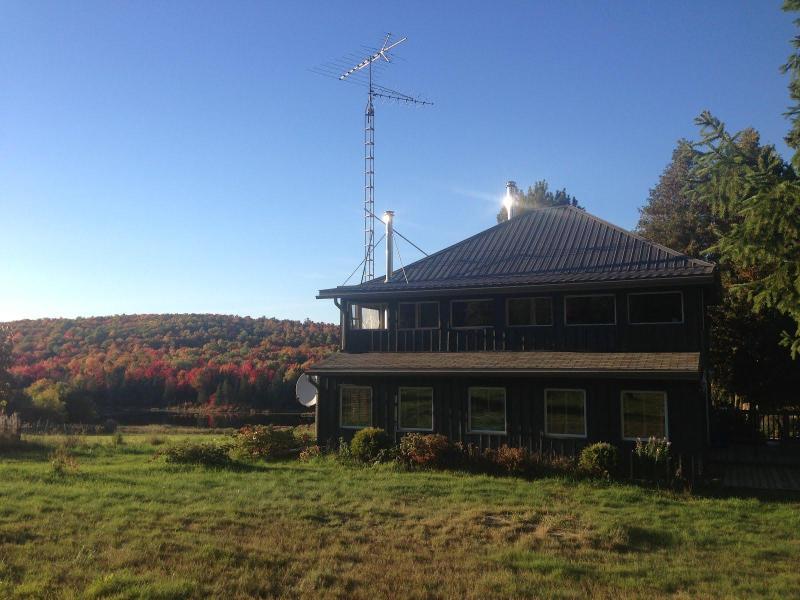Algonquin Park Farmhouse for Year-Round Getaways - Image 1 - Algonquin Park - rentals