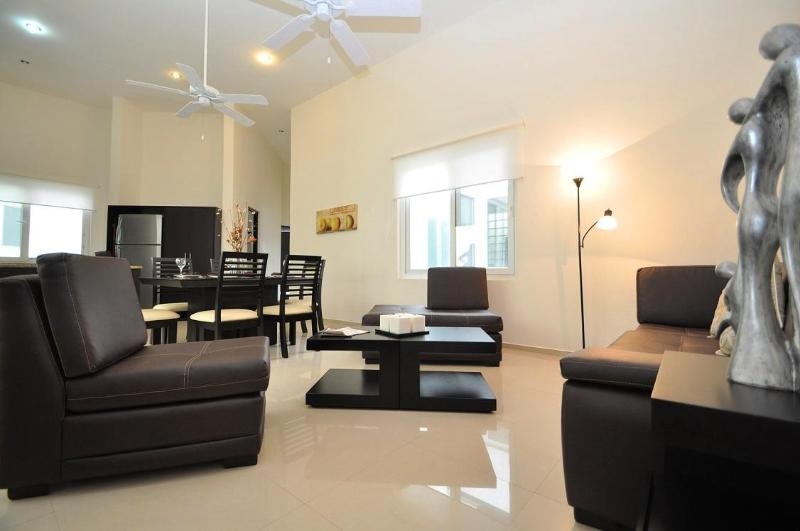 Living Space- Overview - A302 - 3 Bedroom-Ocean View Rooftop with Pool - Playa del Carmen - rentals