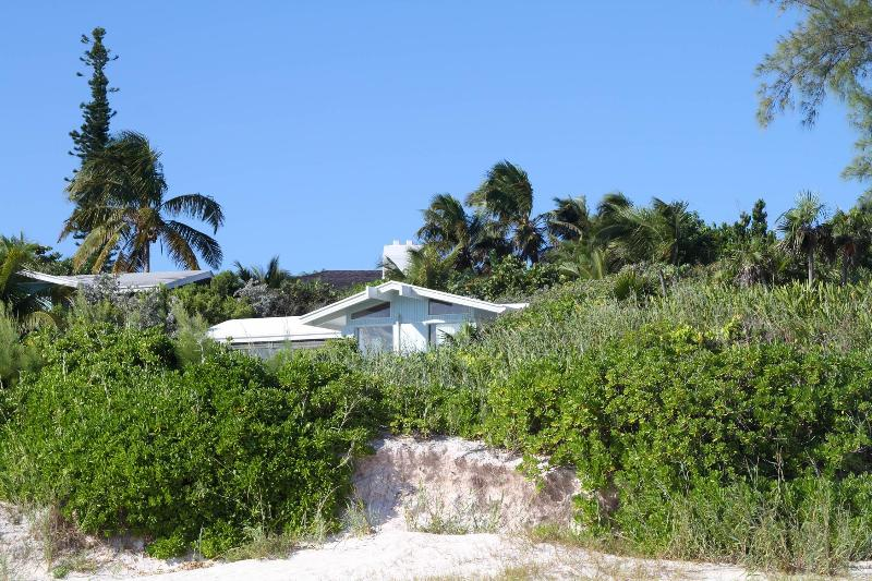 Beautiful Beachfront Home - Image 1 - Harbour Island - rentals
