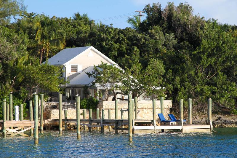 Bay Breeze - Image 1 - Harbour Island - rentals