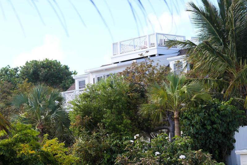 Sanderson - Image 1 - Harbour Island - rentals