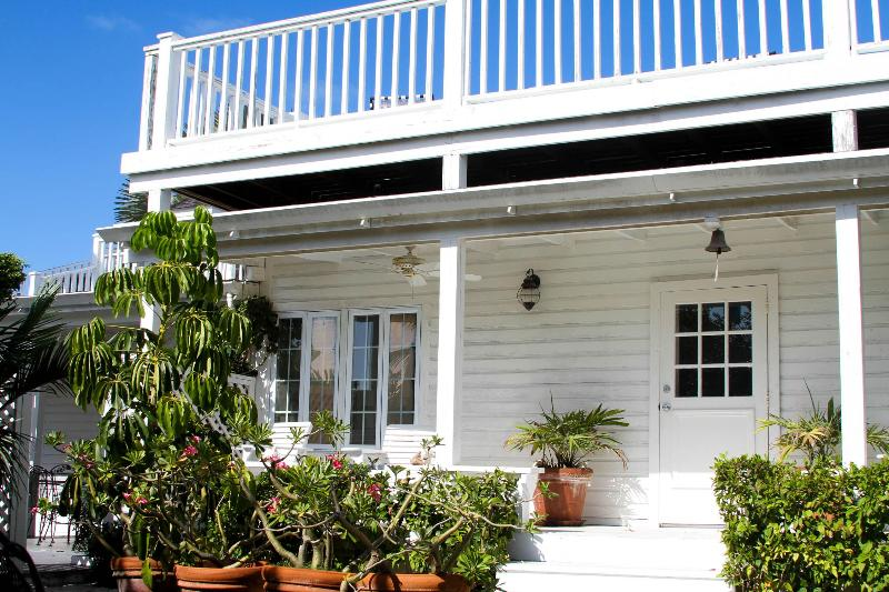 Enterance - Renovated Colonial Cottage in the Heart of the Village - Harbour Island - rentals