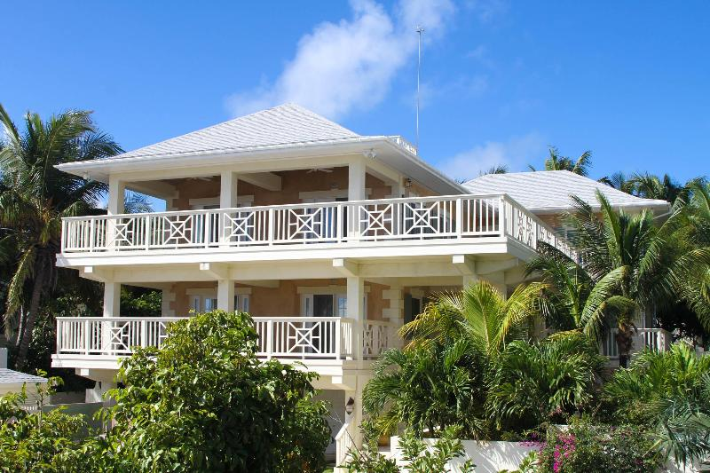 Exterior - Stunning 4 bed 5 bath home - Harbour Island - rentals