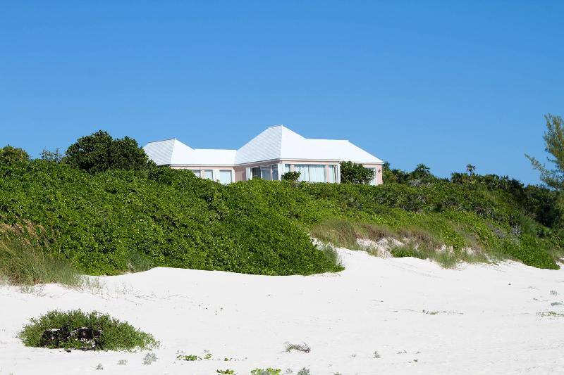 FantaSea from the Beach - Amazing Beachfront Home - Harbour Island - rentals