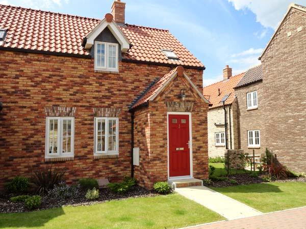 HIGH TIDE, is a cottage close to beaches, with fantastic on site facilities and communal gardens, near Filey, Ref 16529 - Image 1 - Filey - rentals