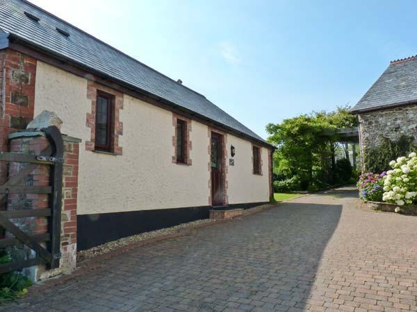 WOODPECKER COTTAGE, woodburner, en-suite, garden in Bradworthy Ref 18274 - Image 1 - Bradworthy - rentals
