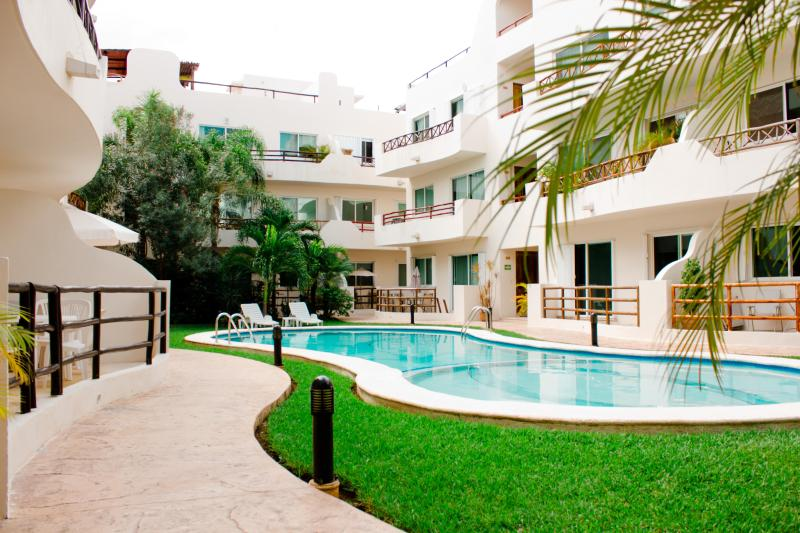 Our pool - Downtown, Strong Wi-fi, Great Pool, Great Value - Playa del Carmen - rentals