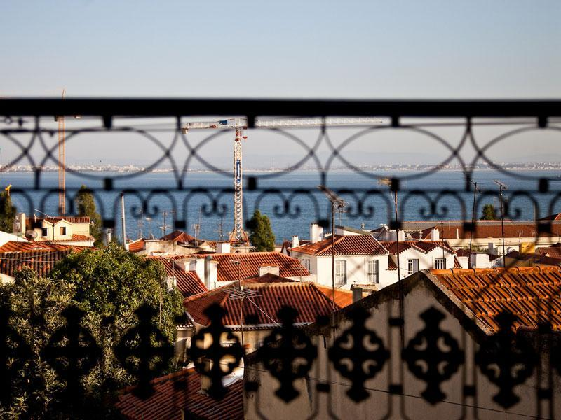 View from the balcony - Very quiet and sunny with stunning views over Alfa - Lisbon - rentals