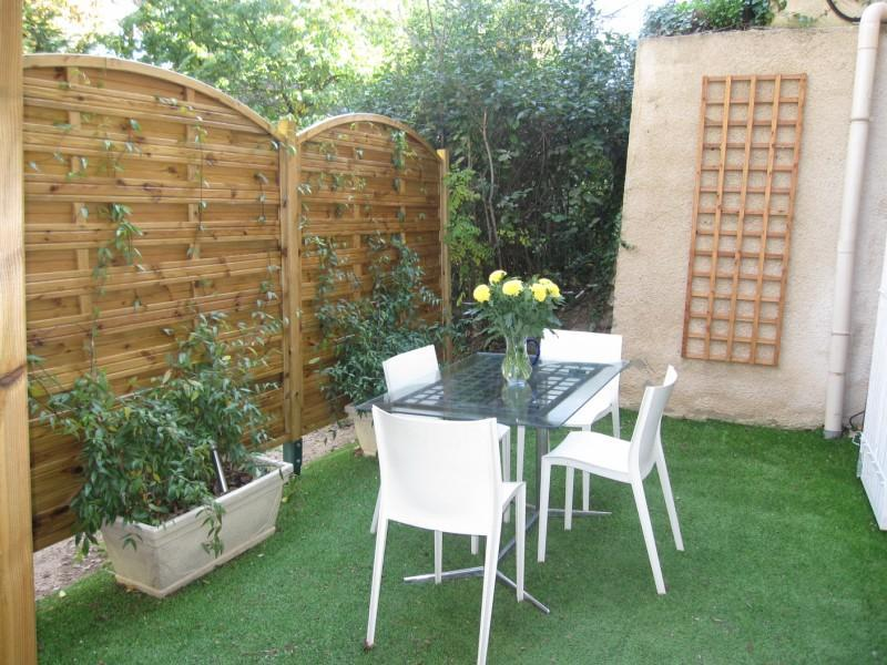 Aix - Spacious Studio with Terrace in Lovely Area - Image 1 - Aix-en-Provence - rentals