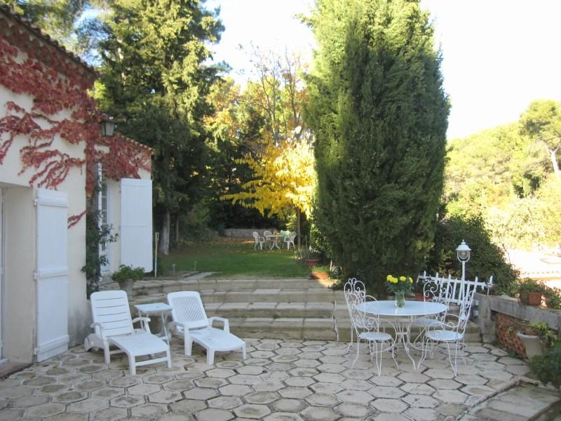 Lovely Country House  just 2 Miles from the Center - Image 1 - Aix-en-Provence - rentals