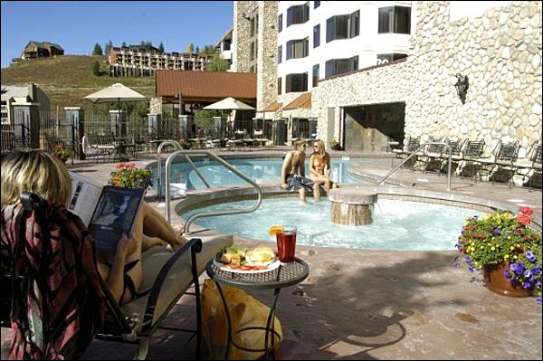Newly Renovated Indoor/Outdoor Pool - Beautiful Suite Room - Dog-Friendly Property (1114) - Crested Butte - rentals