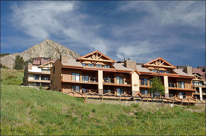 Wonderful Location in Mt. Crested Butte - Two-Level Condominium - Close to the Shuttle Stop (1121) - Crested Butte - rentals