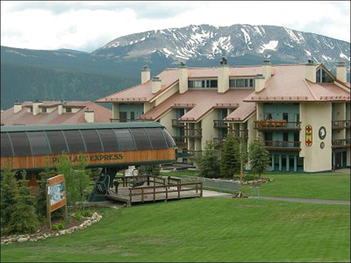 Steps from the Red Lady Lift - Affordably Priced Condominium - Comfortable Accommodations (1135) - Crested Butte - rentals