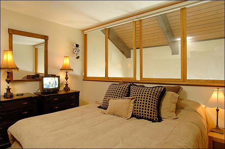 Bedroom (Representative Unit) - Cozy, Affordable Condo - Close to Everything (1138) - Crested Butte - rentals
