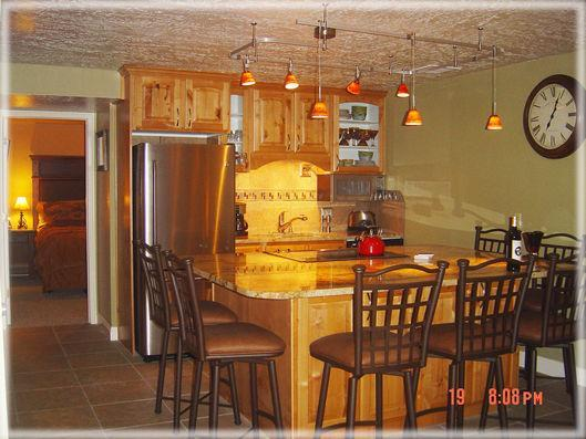 Kitchen and breakfast bar for 7 - Flyfish, Lodging awesome Condo in Park City, Utah - Park City - rentals