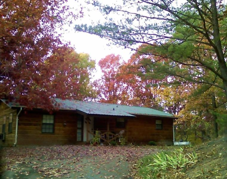 Katties Kottage - 4 Br  1 mile from Pigeon Forge - Image 1 - Pigeon Forge - rentals