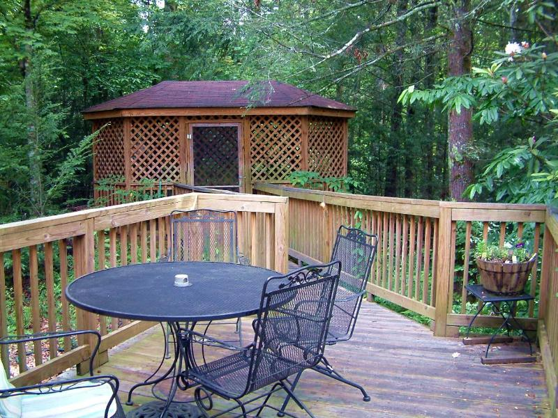 Wi-Fi & Free Netflix - Evergreen -3 Br 2 Ba - Near Rocky Top Sports World - Gatlinburg - rentals