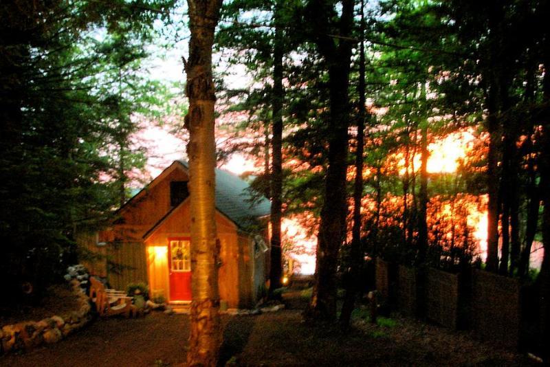 Sunset - SUNSET- SERENE & ROMANTIC YR LAKE FRONT RETREAT - Stratford - rentals