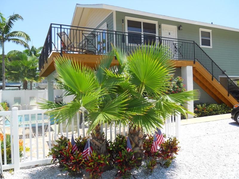 Castnetter 5 - Sun Deck & Pool - Castnetter Beach Resort #5 - Holmes Beach - rentals