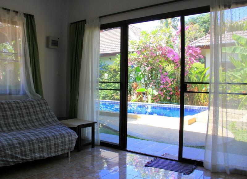 5min to Nai Harn beach. Triples, garden & 13m pool - Image 1 - Rawai - rentals