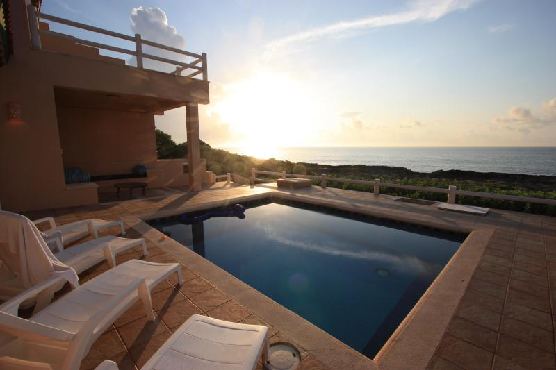 Gorgeous Sunrises at Casa Mim guaranteed! - Limited time offer discount! Book now! Ocean Front - Puerto Aventuras - rentals