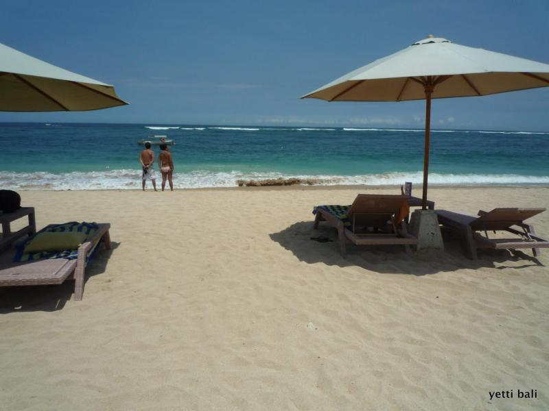 Private Beach - Happy Hours from 6-7.30 PM (half price for Beer, Cocktail, Wine, Mocktail) - GREENHEALTH RUBY Nusa Dua Bali Service Apartment - Nusa Dua - rentals