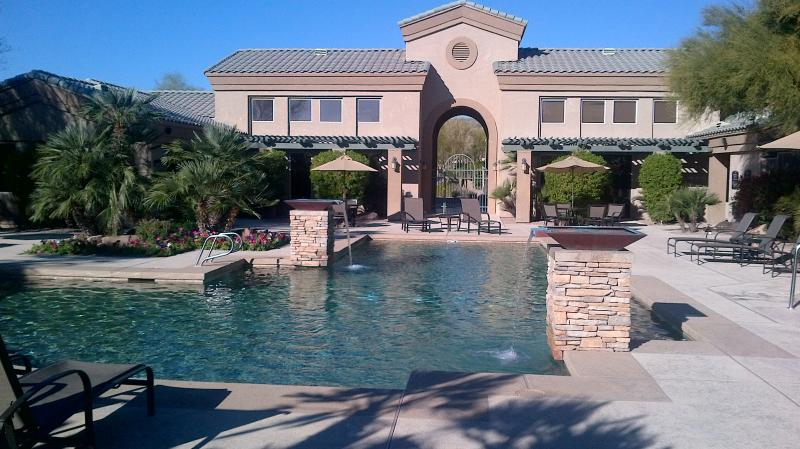 Spectacular Large Heated Pool - Phoenix Affordable Luxury 1 Br in Ahwatukee - Phoenix - rentals