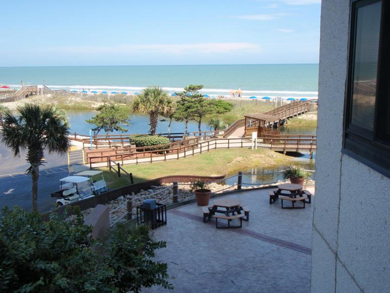 Fantastic Myrtle Beach Resort Sunsuite with Grill, - Image 1 - Myrtle Beach - rentals