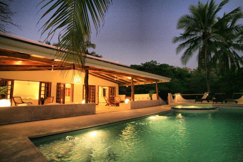 Private Beachfront Suite Ac Wifi Pool Maid TV - Image 1 - Santa Teresa - rentals