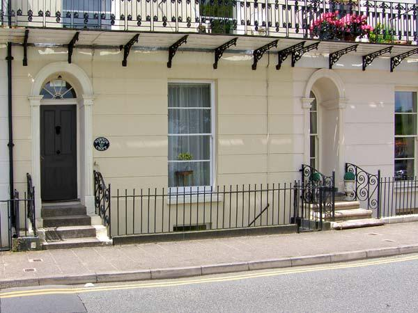 TERRACED GARDENS, wonderful sea views, shared garden nearby with access to beach, in Tenby Ref 16809 - Image 1 - Tenby - rentals