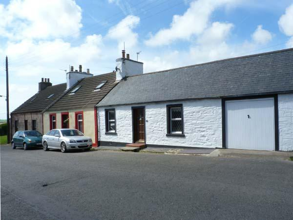 DUNVENDIN pet-friendly cottage with an enclosed garden, in Isle of Whithorn, Ref 17162 - Image 1 - Isle Of Whithorn - rentals