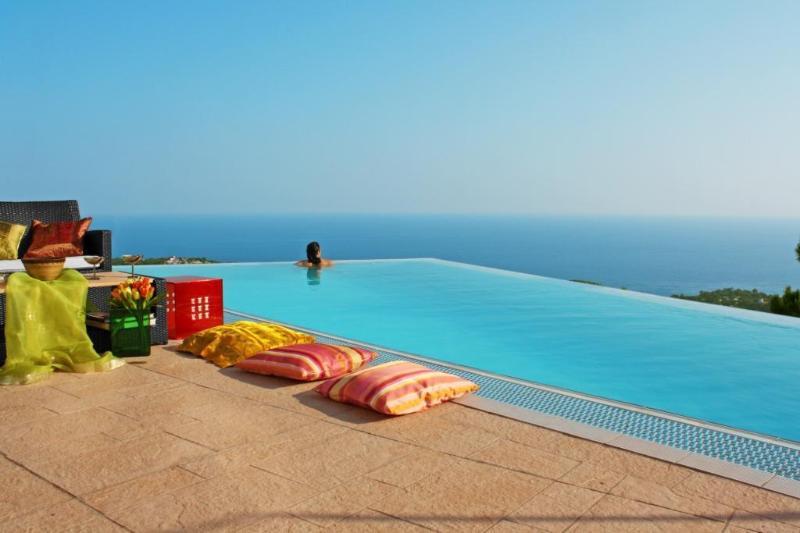 Superb luxury villa for your dream holiday: Anais - Image 1 - Lloret de Mar - rentals