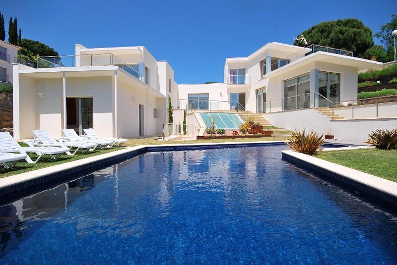 Spacious modern Villa Extravagance nearby Lloret - Image 1 - Lloret de Mar - rentals