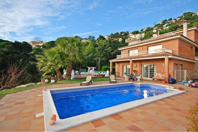 WOW: Beautiful 12p villa Majestic near Lloret - Image 1 - Lloret de Mar - rentals
