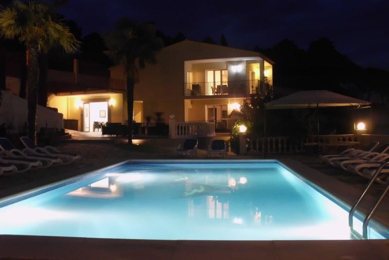 18p luxury villa with large garden:Villa Tropicana - Image 1 - Lloret de Mar - rentals