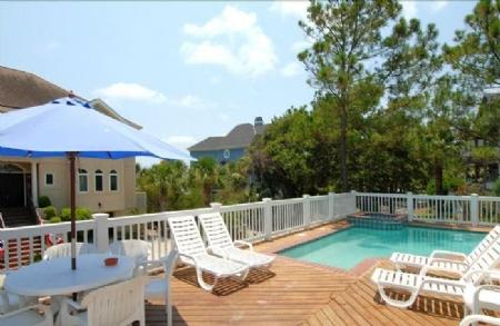Pool Deck - 2nd Row Ocean House, Ocean Views, 5 Minute Walk to Coligny Plaza - Hilton Head - rentals