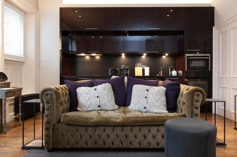 Stunning Redbrick Vacation Rental in the Heart of Mayfair, London - Image 1 - London - rentals