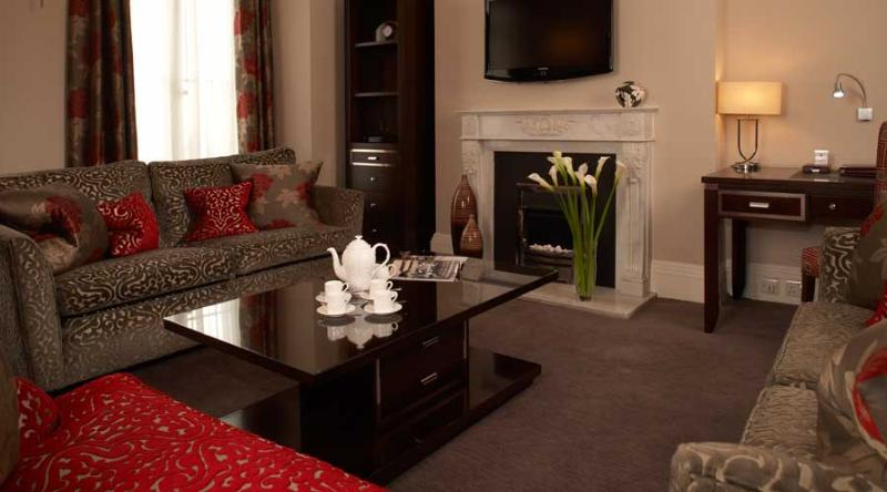 2 Bedroom Apartment next to Harrods - Image 1 - London - rentals