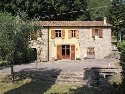Front of house - Stylish Restored Tuscan Farmhouse: 28km Florence - Scarperia - rentals