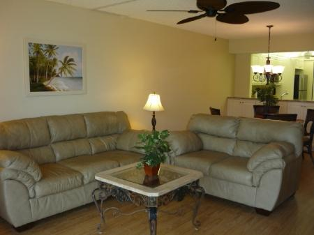 Beautiful Living Furniture  - Cozy and Comfy...perfect Island Location in Gated Resort-Beach access ! - Marco Island - rentals