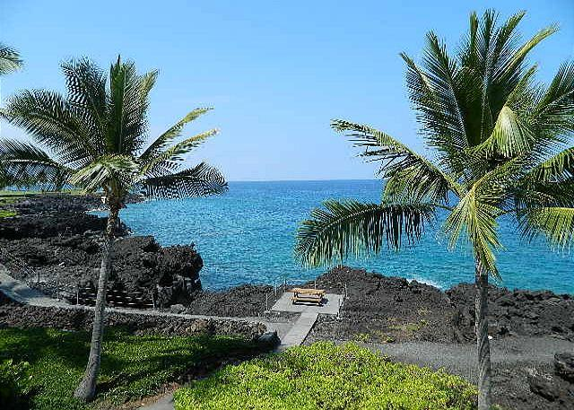Ocean - 2 bedroom 2 bath townhouse style condo. Surf and Racquet 57 - Kailua-Kona - rentals