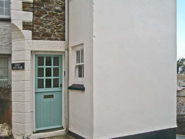 COSY COTTAGE, romantic retreat, views across the village, harbour 2 mins walk, in Mevagissey, Ref 16660 - Image 1 - Mevagissey - rentals