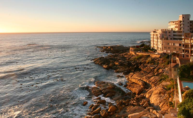 BANTRY BAY VIEWS 301: Directly above the water! - Image 1 - Cape Town - rentals