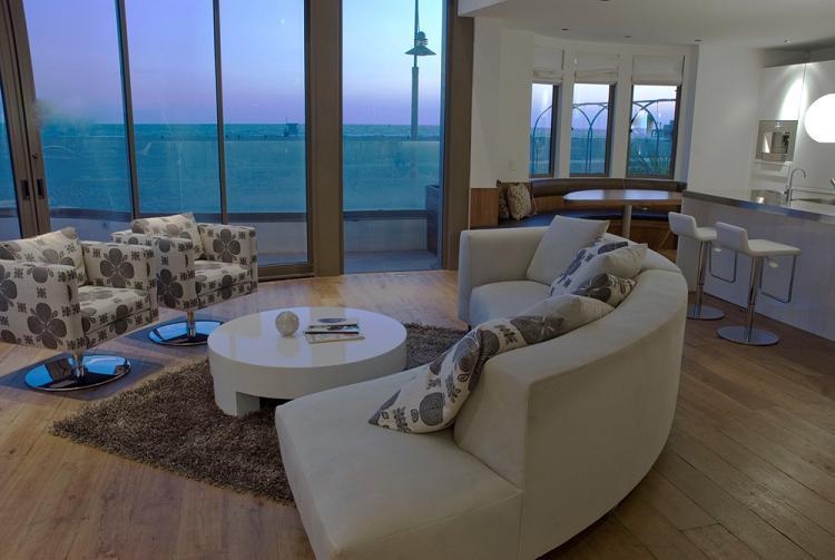 Living Room - Luxury Beachfront Santa Monica Townhome - Santa Monica - rentals