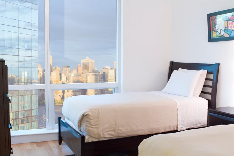 Twin room - Sky City at Greene - 2-bedroom (sleep 4 to 6) - Jersey City - rentals