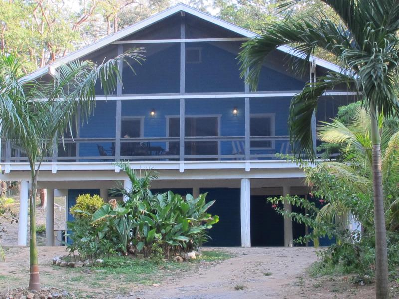 La Casa Azul - La Casa Azul West Bay Beach 3 Bedroom Home, Roatan - West Bay - rentals