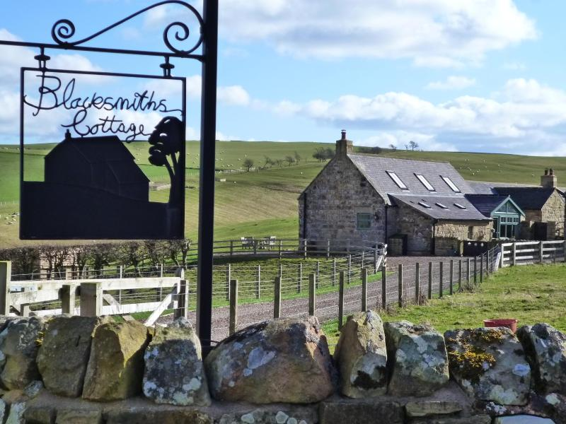 Get away from it all at Blacksmiths Cottage in the heart of Northumberland. - Blacksmiths Cottage NE England s/c provider 2015 - Alnwick - rentals