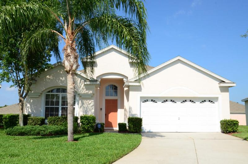 Front view of the villa. - Windsor Palms Resort/southwestPool/GamesRoom/Gated - Kissimmee - rentals