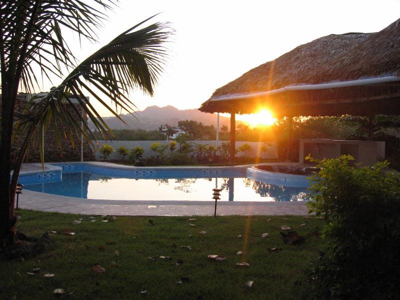 Back yard - Watch sunset over the mountains - Soak in Sun & Sand in Beautiful Caribbean Island - Puerto Plata - rentals
