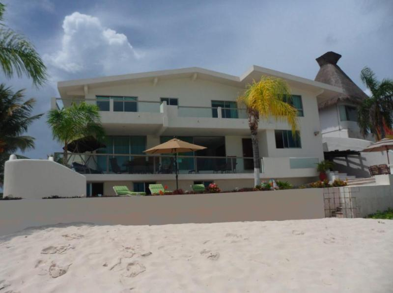 5 Bedroom Frontbeach House In Cancun - Image 1 - Cancun - rentals